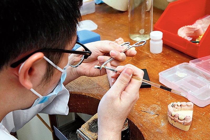 菲臘牙科醫院牙科輔助人員訓練課程 歡迎有興趣中六畢業生報讀