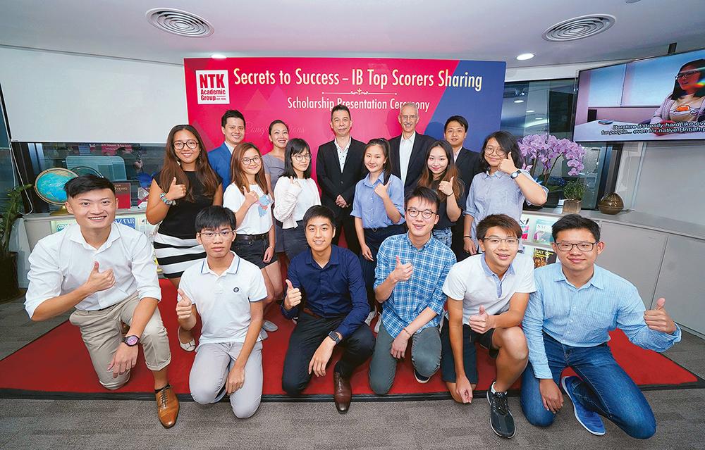 全港34名滿分IB狀元NTK學生勇奪15席 中心創辦人解釋成功秘訣