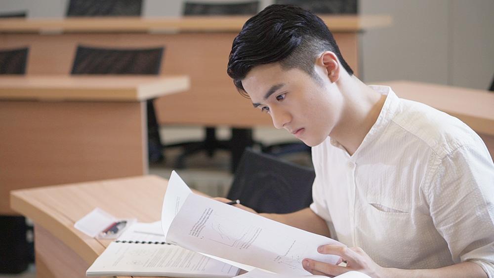 入讀科大「神科」環球商業學 新星Oscar分析面試過關 留學經歷成關鍵