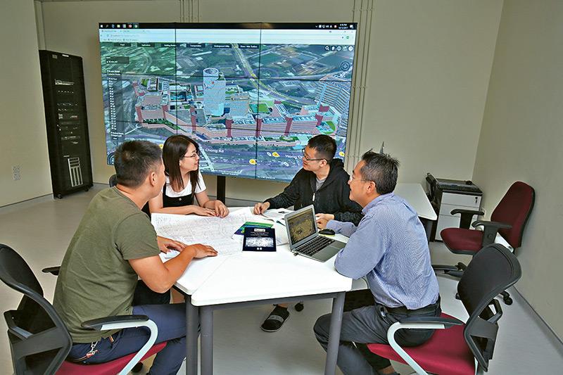 理大土地測量及地理資訊學 課程三合一 培育專業人才唯一搖籃