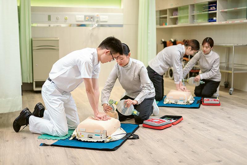 浸大首辦護理學學士課程 助你投身護理專業