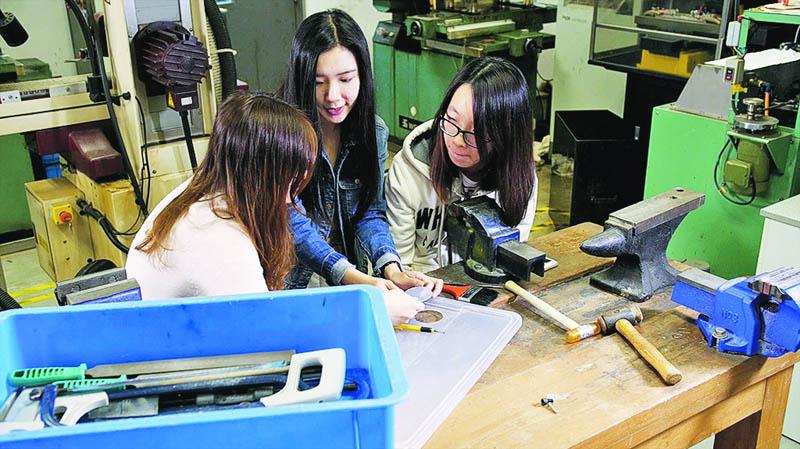 城大材料科學及工程學士課程 為基建及高科技產業培養優秀專才