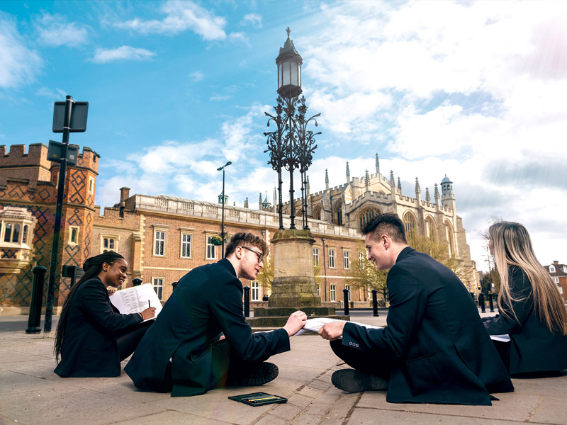 英國公立中學「新貴」Holyport 共享伊頓公學設施及活動