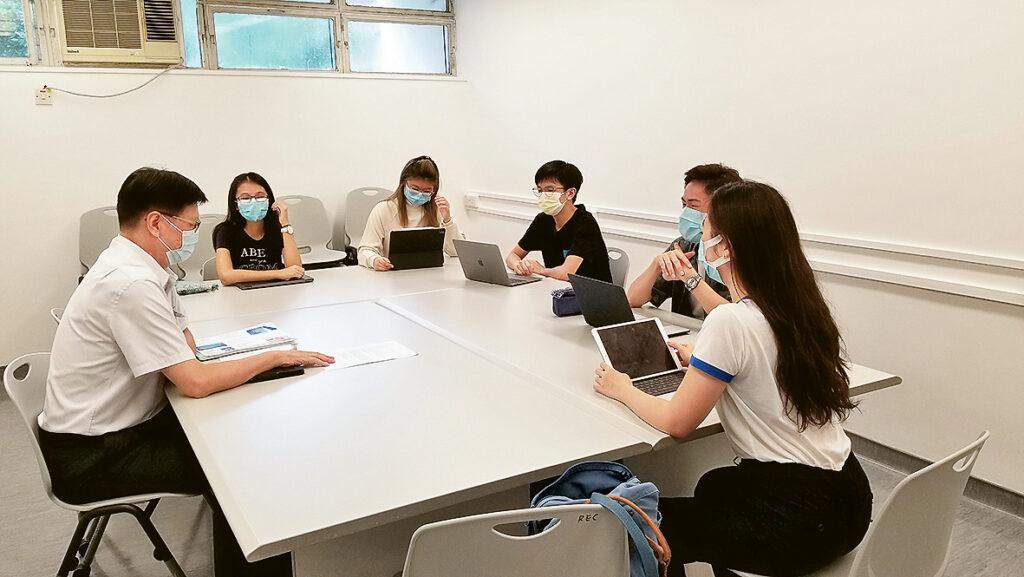 學生參與測量工作坊,一同探討不同的測量業議題。