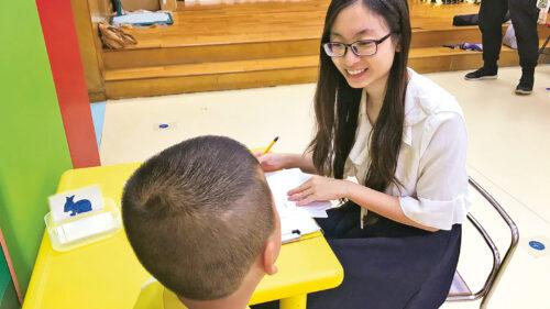 修讀仁大輔導及心理學課程的學生必須在學其間到不同機構實習,會按其專修安排前往中小學或社區中心等。