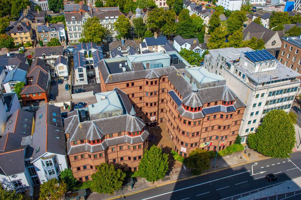 英國威爾斯取消明年公開試 英院校透露英格蘭或跟隨