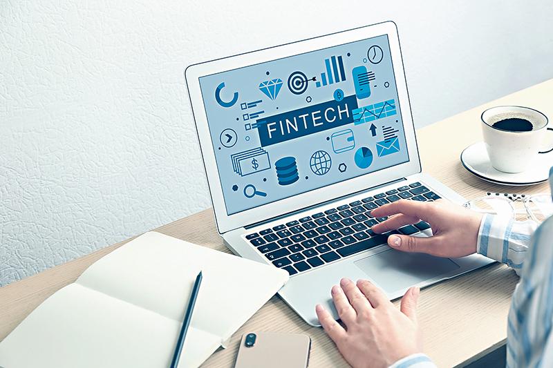 金融科技逐漸起步,有意在金融行業打拚的人士,學習相關技術有助提升就業競爭力。