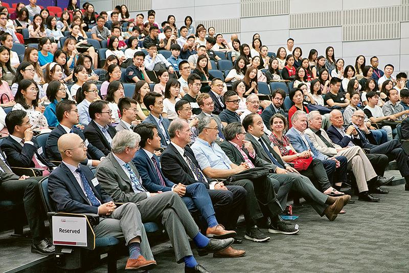 中大法律學院學生背景多元化,在國際化的學習環境下互相交流。