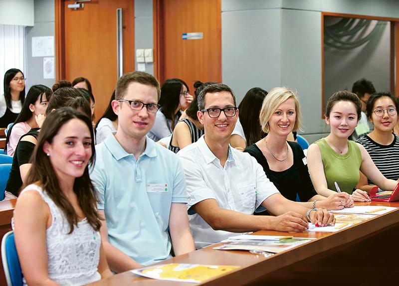 中大法律學院教學團隊來自逾20個不同司法管轄區,擁有豐富執業或教學經驗,助學員建立國際化視野。