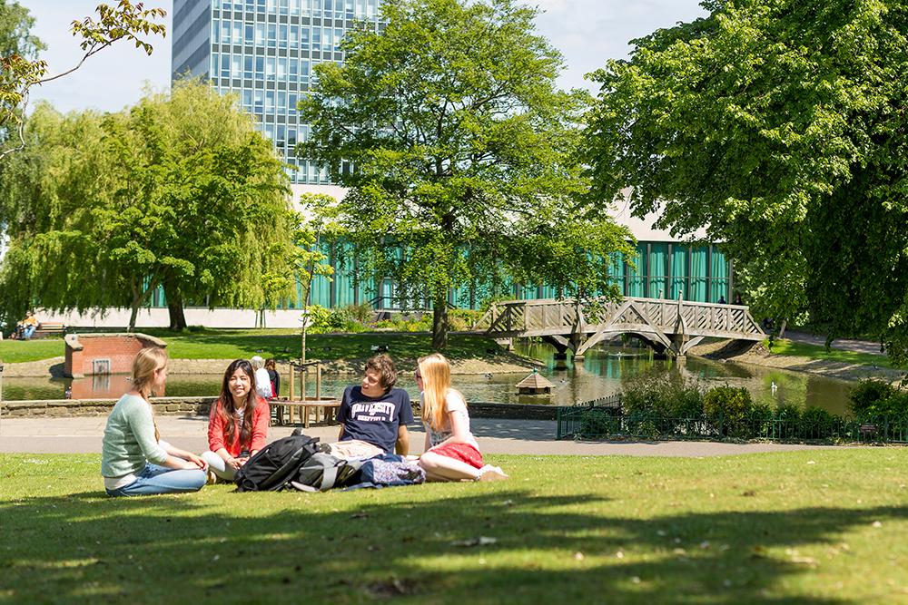 留學英國 入讀私立寄宿學校好 抑或揀免費公立學校好