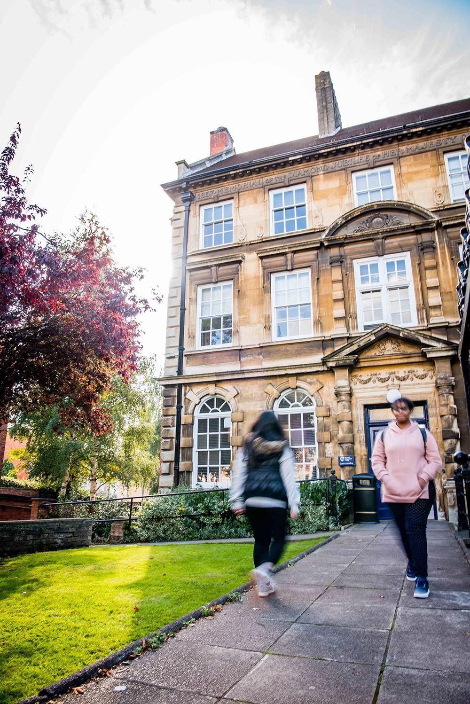英寄宿中學Bosworth Independent College實行精英小班制