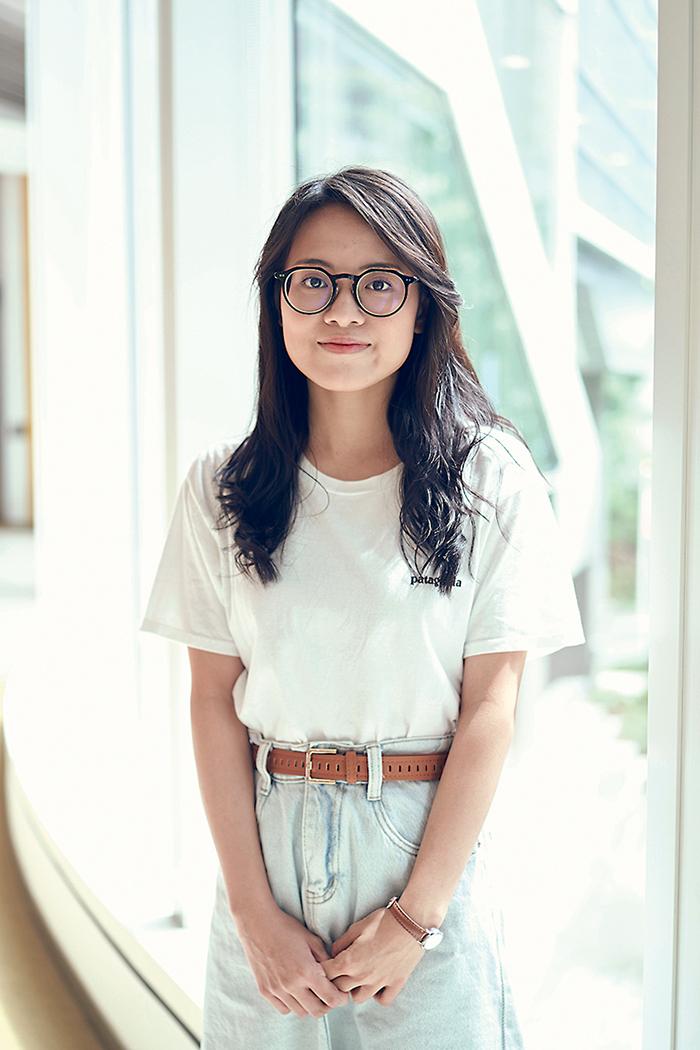 蘇晞瑜,語言研究(雙語傳意)榮譽學士及國際商業榮譽學士(JS9570)一年級生。