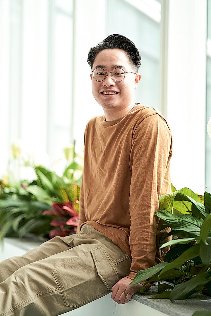 黎鐵鴻,互聯網科技榮譽電腦學學士(JSSU71)四年級生。