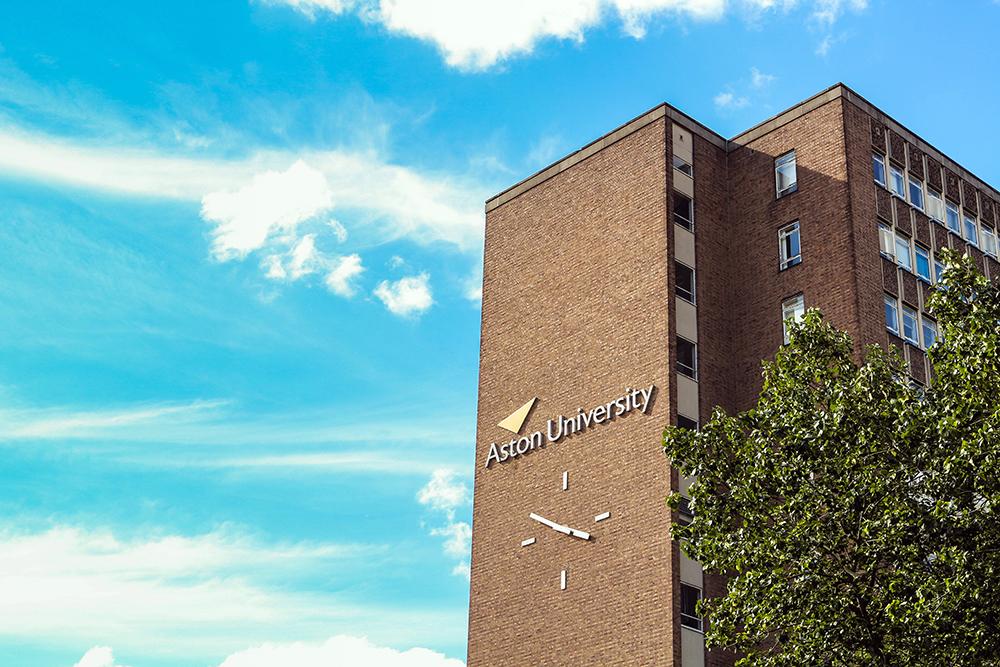 Aston University是少數設有聽力學(Audiology)及視光學等醫療相關學系的大學。