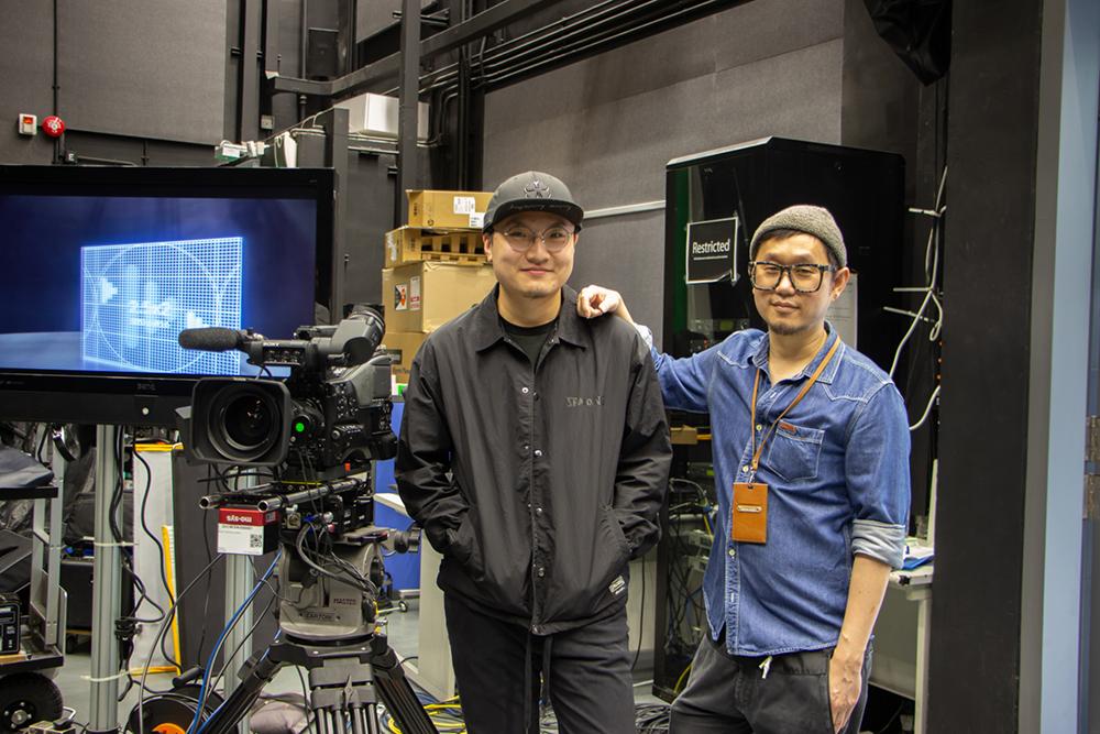 HKDI數碼媒體學系講師李智健(Kenlee)(右)表示藉.與業界合作,望讓HKDI學生認識及操作XR技術,為本地電影及數碼媒體業界培育XR技術專才。