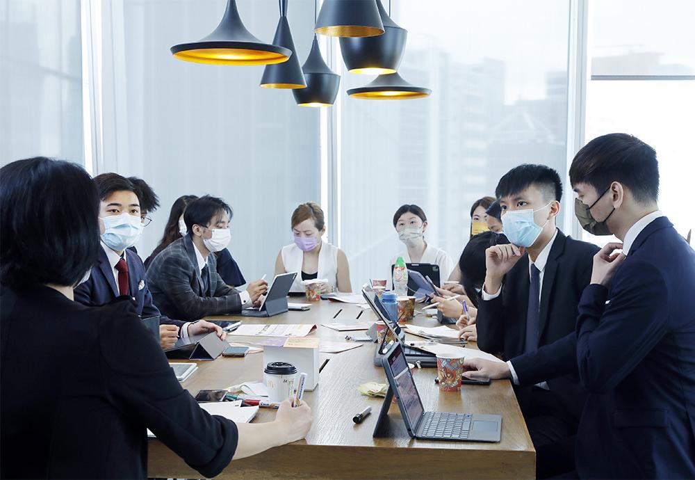 保險業有不同崗位適合年輕人發展事業