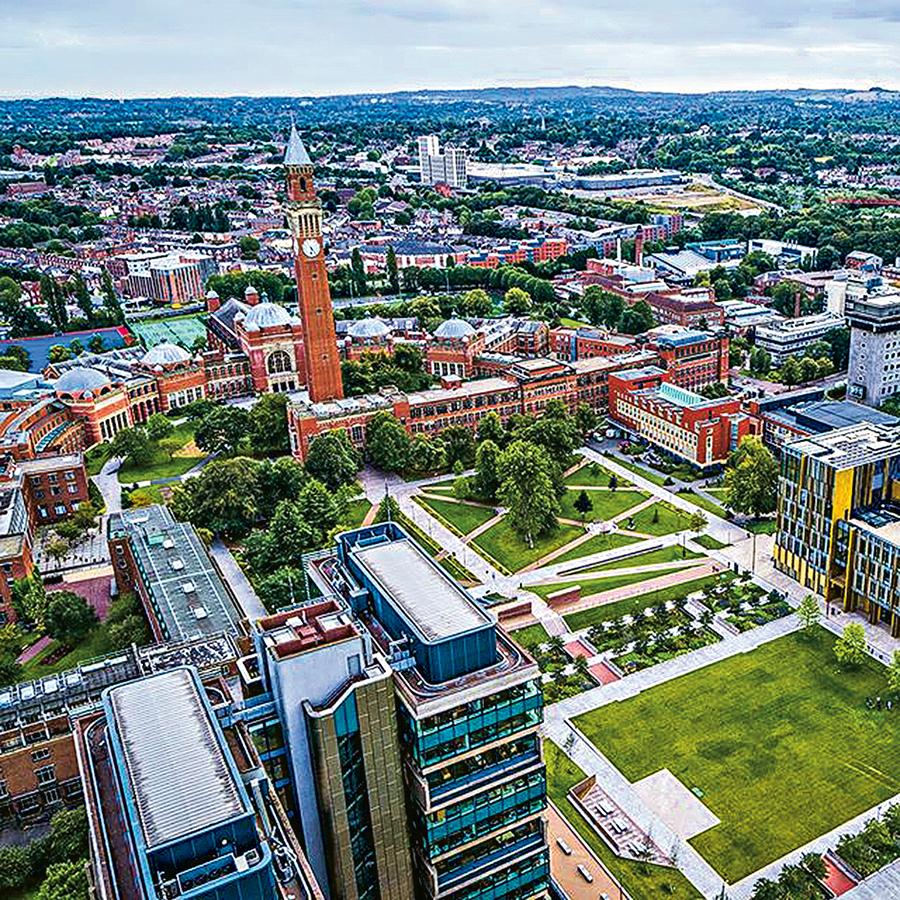 University of Birmingham分別提供學士學位課程及大學基礎課程予完成中五的學生及完成DSE的考生報讀。