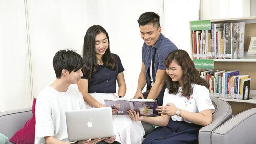 東華學院開辦的心理學課程涵蓋管理及組織心理學、教育及特殊需要,以及健康及輔導心理學三大範疇。